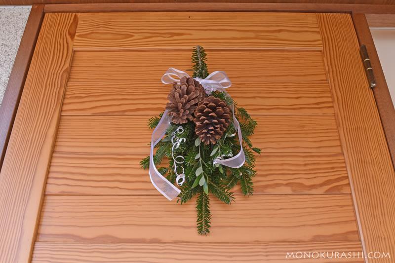 モミで作るクリスマススワッグ