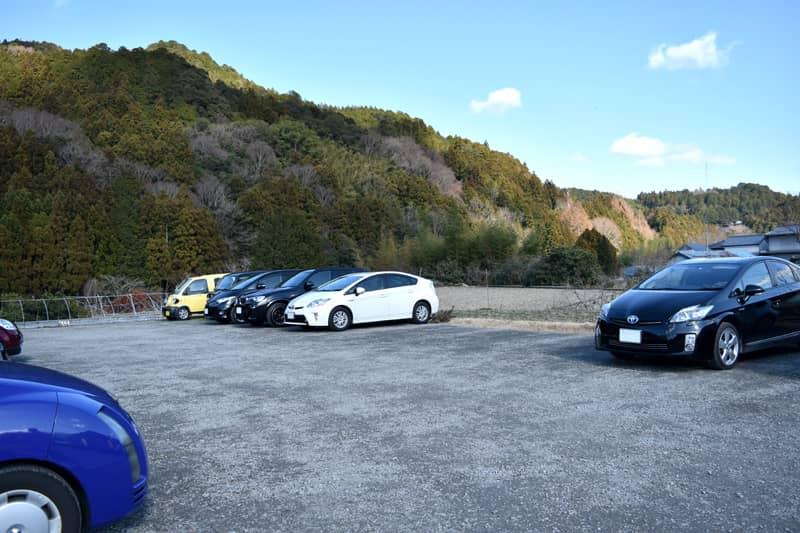 かま屋(神山町)の駐車場