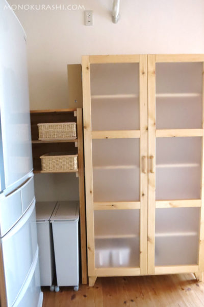 新しく作った棚。ゴミエリアになります。
