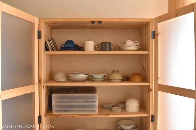 改善前の食器棚