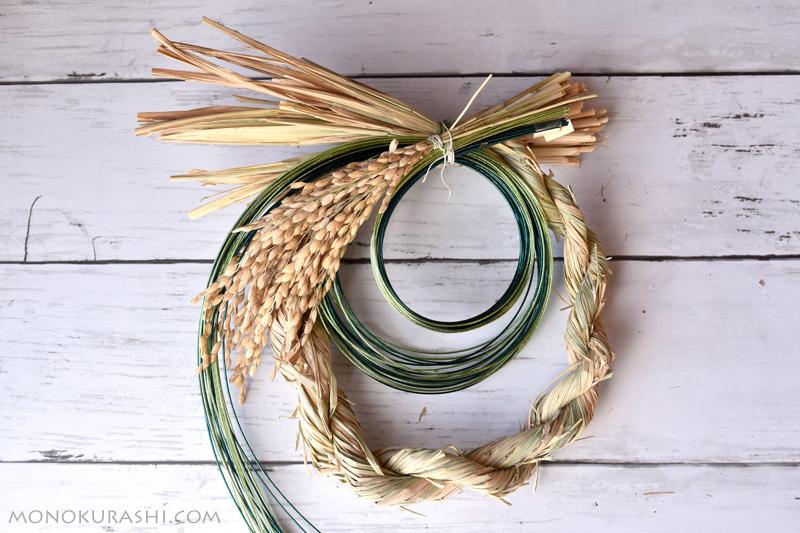 しめ縄の作り方。飾りをつけていく